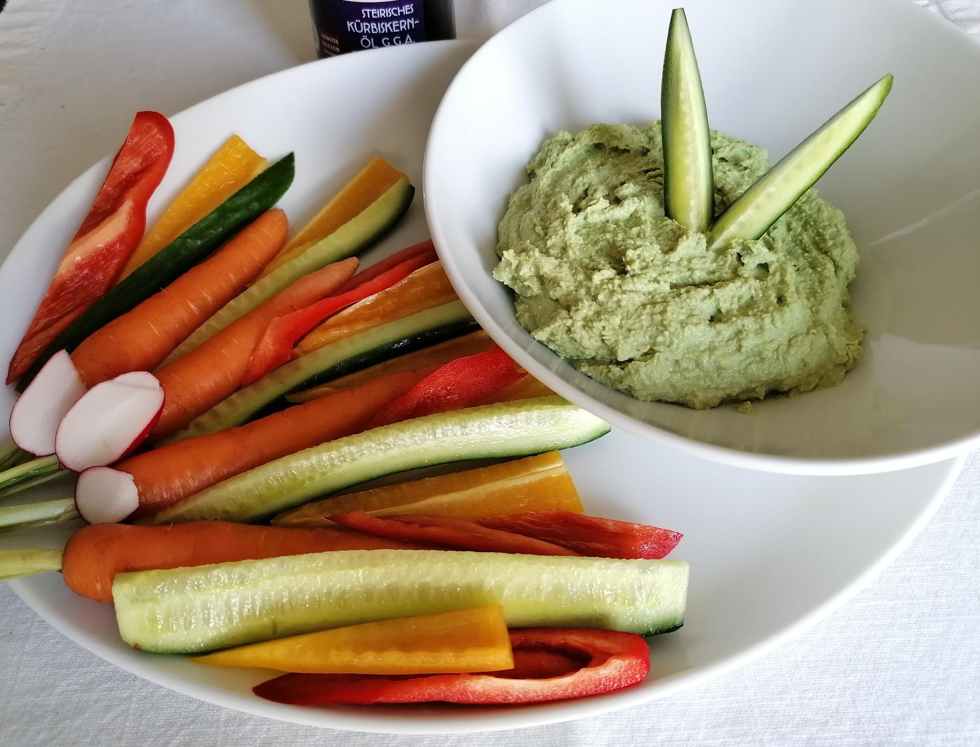 essenzielles_gesundes Mittagessen_Edamame-Hummus